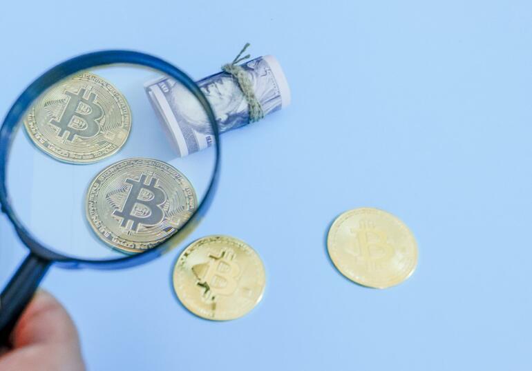Son dakika...Tarihi zirveden sonra Bitcoin düşmeye devam ediyor.. Bitcoin 38 bin dolara geriledi